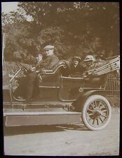 Glass Magic Lantern Slide EDWARDIANS IN CAR DATED 1915 PHOTO