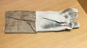 Leon Paul FIE sabre fencing glove 800N - LEFT HAND size8½  - Used