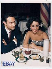 Director Stanley Donen Elizabeth Taylor RARE Photo candid 1952