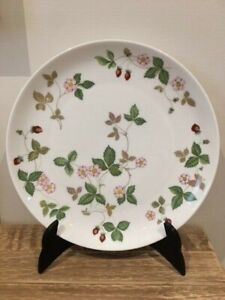 Wedgwood Wild Strawberry Plate Coupe 23cm