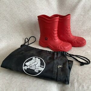 Unisex Crocs Boots Red Mens Size 7 Women's Size 9 With Bag