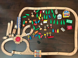 Wooden Train Set For Kids Children, With Accessories. 109 Pcs.