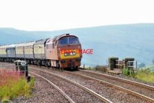 PHOTO  2005 BRIDGE 115  GARSDALE HEAD D1015 'WESTERN CHAMPION' CROSSES BRIDGE 11
