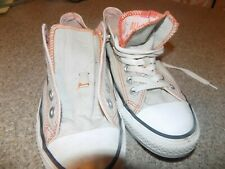 CONVERSE WOMENS SIZE 8 LIGHT GRAY/ORANGE TRIM LOW TOP ATHLETIC SHOES