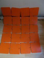 Décoration murale ou autre vintage en plastique orange