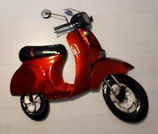 Vespa Vintage Retro  in metallo Rossa da parete.