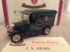 Oxford Diecast J.S. Arms Antiques & Armour Bullnose Morris Van