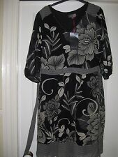 BNWT MARKS AND SPENCER DRESS PER UNA  - SIZE 14 BLACK &  CREAM