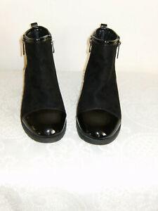 Size 5 Black Faux 1 Inch Flat Heels Zip Fasten Casten Spring Ankle Boots V/G/C
