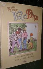 When Violet Died by Mildred Kantrowitz, Emily Arnold McCully 037002043X