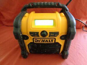 DeWalt DCR019 FM/AM Aux In Job Site Radio Compatible with 10.8V/ 14.4V/ 18V