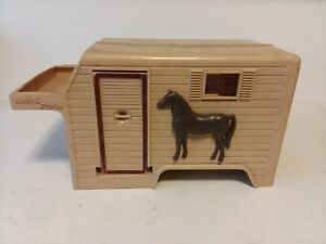 VINTAGE BUDDY L STABLES TRUCK PLASTIC BOX FOR PARTS RESTORE