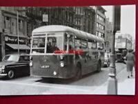 PHOTO  LONDON TRANSPORT BUS NO  RFW 2