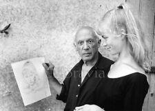 """Photographie,  """"Pablo Picasso et son modèle, Sylvette David"""", 1956    /  15 x 20"""