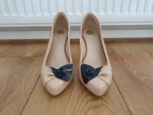 Women's Vivienne Westwood Anglomania Nude Shoes With Navy Bow Detail UK-Size 6