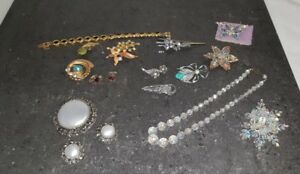 Costume jewellery x12 pieces plus x2 pairs of earrings