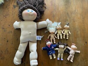 1 Large And 6 Mini Cabbage Patch Kids CPK Dolls