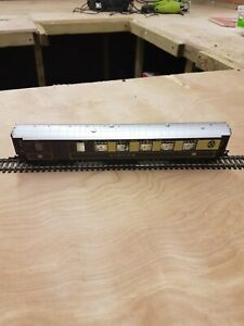 Hornby Pullman Coach no 93 coach with seated people and lighting in coach new