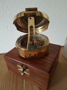 Kompass*Peilkompass* Schiffskompass* Massiv*Messing* inHolzbox*Anker*Top