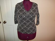 BRITTANY BLACK LADIES SIZE L V- NECK PULLOVER SHIRT FLORAL BLOUSE SHINY TOP
