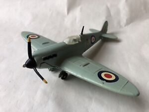 WORKING DIECAST DINKY TOYS USAF SUPERMARINE SPITFIRE WW2 FIGHTER PLANE REPAINTED