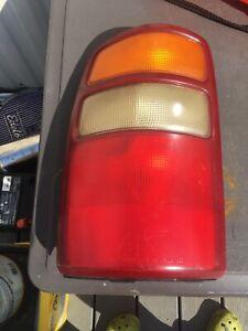 2000 2001 2002 2003 Chevy Taho Suburban Tail Light Left LH Driver OEM C60