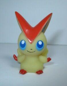 Shopro Pokemon Victini Figure Finger Puppet Gotta Catch Them All Nintendo Bandai