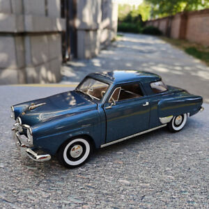 Road Signature 1:18 Scale 1950 Studebaker Champion Blue Vintage Car Model In New
