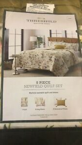 Threshold- Newfield Floral Quilt Set Multi, King
