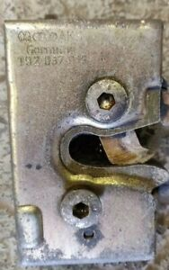 VW GOLF MK2 JETTA DOOR LOCK CATCH FRONT PASSENGER SIDE LEFT Genuine