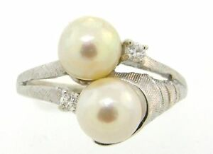 Beautiful Diamond & Pearl Solid 14K Gold Cocktail Ring