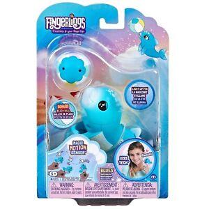 FINGERLINGS Baby Dolphin BLUES Glitter Bonus Beach Ball / Light up Fin Kiss Tech