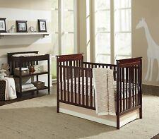 Zahara Hampton 5-Piece (w/ Bumper & Mobile) Crib Bedding Set by Sadie & Scout