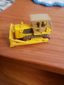 VINTAGE MATCHBOX 64 YELLOW CATERPILLAR D9 TRACTOR MADE N ENGLAND BY LESNEY 1979