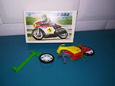 09.09.18.2 Maquette moto CGGC grisoni MV agusta 500  jouet plastique