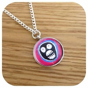 The **Mighty ** BoOsh Charm pendant necklace Round (b)