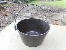Vintage No. 7 Cast Iron Flat Bottom Kettle Cauldron Pot