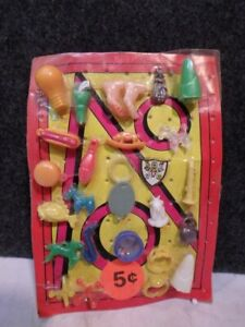 VINTAGE GUMBALL VENDING MACHINE CHARMS DISPLAY HEADER CARD LOT 4