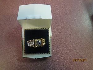 HGE Men's HANDSOME GOLD PLATED Ring Size 9 FAUX DIAMOND STONE NEW
