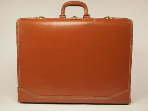 Kam Lung vintage 60s large leather Suitcase
