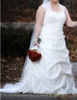 wedding dress plus size 16