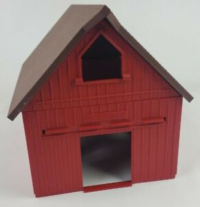 Ertl Farm Country red western barn building 1/64th scale