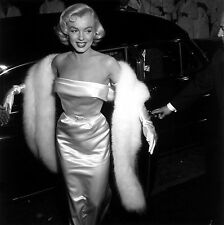 859 MARILYN MONROE Black & White 8.5 x 11 Glossy Picture Photo  NOT 8 X 10