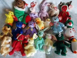 Lot of 20 Jingle Beanies, Ornaments Ty Beanie Babies Mint Condition w/ tags Rare