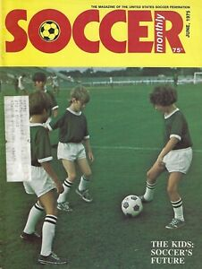 June 1975 Soccer Monthly Magazine #FWIL