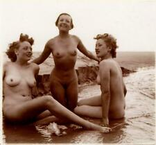 French stereo photo - 1940s nudism Three Nudes at the Beach