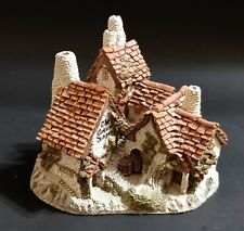 """Collectors Piece by Sculptor David Winter Cottages – """"The Green Dragon Pub� 1983"""