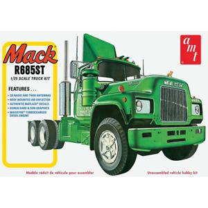AMT 1039 1/25 Mack R685ST Semi Tractor