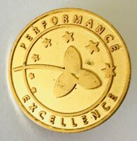Performance Excellence Gold Style Pin Badge Vintage Rare (C2)
