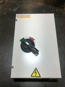 100A Circuit Breaker Box
